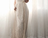 Wedding Dress Strapless In Lace With Chiffon Sample ready to ship small