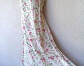 Vintage 1990s MAXI DRESS. Floral Print Maxidress. Grunge Revival Dress. Romantic Sundress. Full Sweep Dress. Gauze Dress. Corset Lacing. M