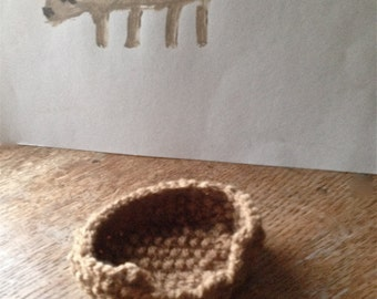 Small dog basket - knitted