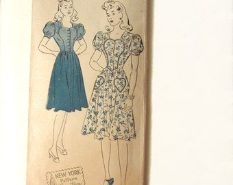 vintage 40s dress sewing pattern New York 1741 sz 13 bust 31