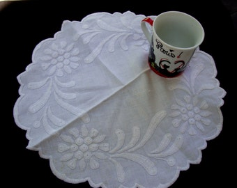 1950's Vintage Embroidered Doily Cotton Linens Doily Napkin Vintage Linens for Tea Party 110