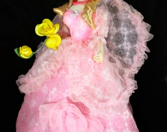 """Vintage Big Eye Pose Doll Bradley Doll Korean Japan Carnival Doll with Cotton Candy Pink Lace Ruffled Dress Blond Doll 18"""""""