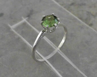 Green Peridot 6mm Solitaire Gemstone 925 Sterling Silver Ring                    CC-40028