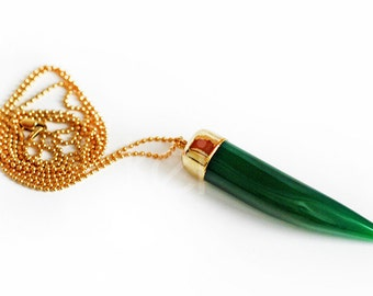 GREEN agate horn necklace