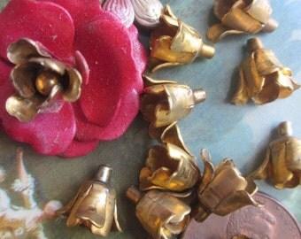 20 Small Brass Flowers