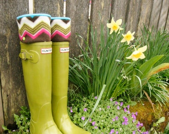 SLUGS Fleece Rain Boot Liners Turqoise with a Retro Geometric Chevron Cuff,  Spring Summer Gardening Style, Mothers Day Gift  (Med/Lg 9-11)