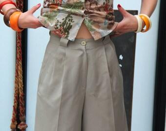90s kaki beige wool higwaisted pleated bermuda shorts S