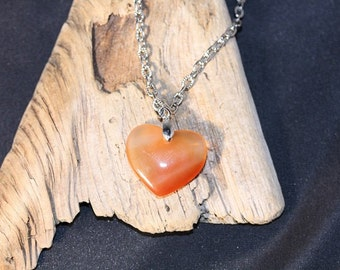 Agate Heart Pendant on 18 inch Cable Chain - Item 1117