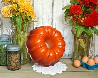 Vintage Red Orange Enamel Metal Bundt Pan Enamelware Retro Baking Kitchen Decor