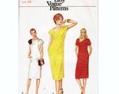"70s Vintage Asymmetical Neckline Dress Pattern, Kimono Cap Sleeve, Pull-over, Shoulder Button Closure, Very Easy Vogue 7700, Bust 34"", Uncut"