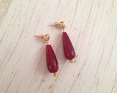 Twisted ear studs detailed with gemstone briolettes, sophisticated and timeless