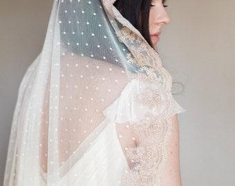 Bridal veil- Mantilla veil- Gold bridal veil-polka dot veil-wedding veil-fingertip veil- lace veil-beaded veil- style 102