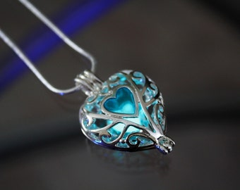 Locket HEART GLOW in the DARK