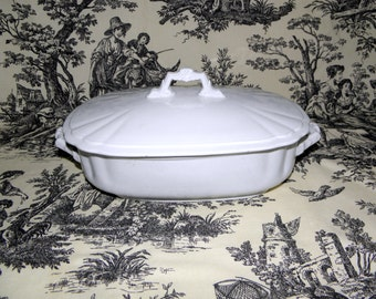 Wedgewood ROYAL STONE White Oval Handled Lidded Dish Casserole Side Dishes
