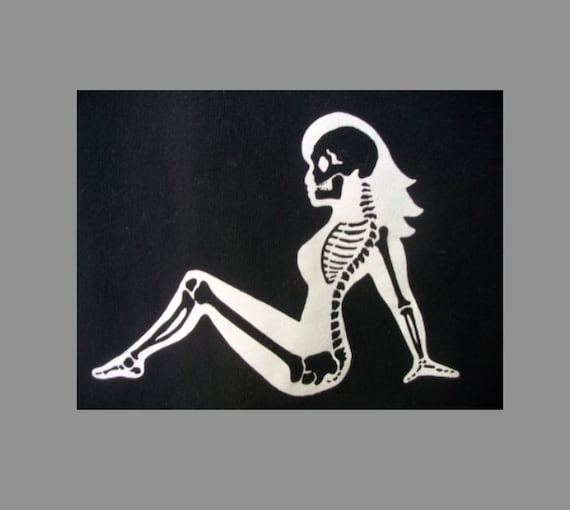 Mud Flap Girl Skeleton-T shirt size 14-16 L is Adult Small.