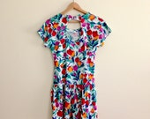 Vintage Back Cutout with Bow Tulip Print Dress // Rainbow Floral Mini Dress // Day Dress // T-shirt Dress // Festival  - 1980s