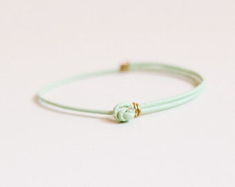 Mint green bracelet with knot closure, gold or silver detail / thin leather friendship bracelet, simple light green wrap, boho, minimalist