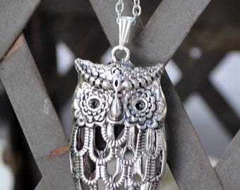 Vintage Antique Silver Hollow Owl Pendent Necklace