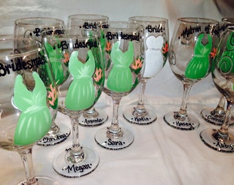 Wedding Glasses, Bridal Party, Handpainted Wine Glasses, Personalized Bridesmaides, Maid of Honor and Bride Wine Glass