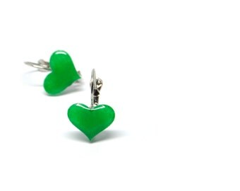 Dangle earrings emerald green hearts 15mm round hand-painted