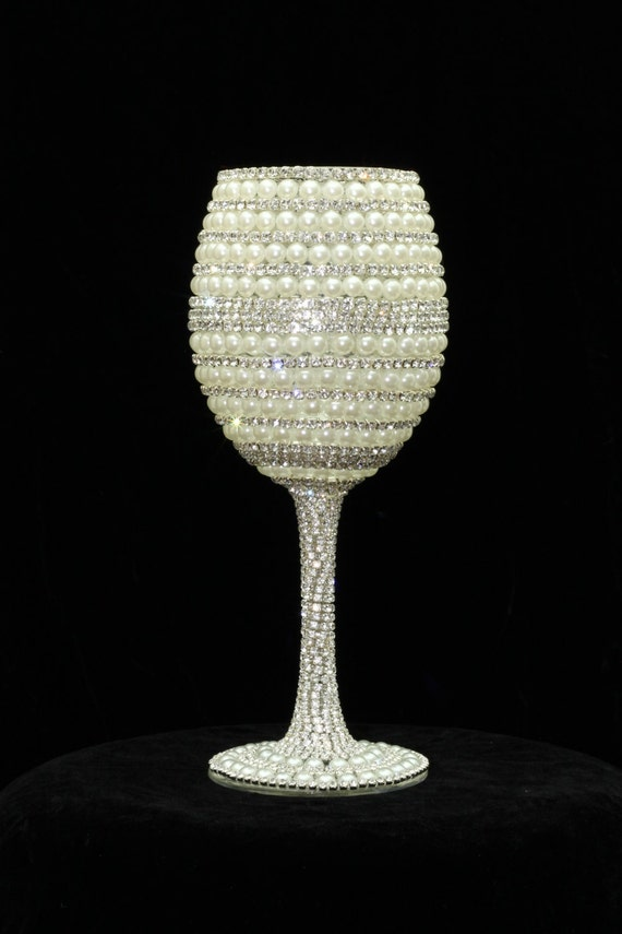 Custom Made Wine Glasses Bride Wine Glass Wedding Glasses Bridesmaid ...