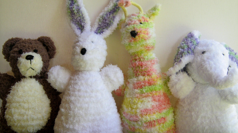 Luxury Pipsqueak Yarn Crochet Patterns Model - Sewing Pattern for ...
