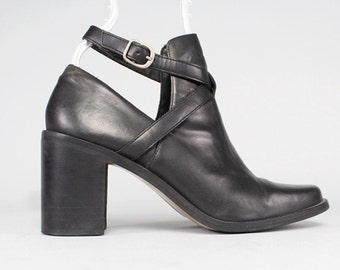 Vtg 90s Black Leather Minimal Cutout Ankle Boots Shoes 7 1/2 7.5