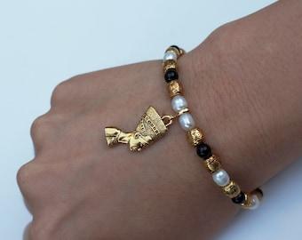 Nefertiti pearl bracelet