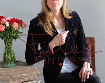 jacket women's dark blue velveteen upcycled with embroidered rose motif size 8