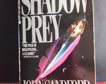Paperback-Shadow Prey