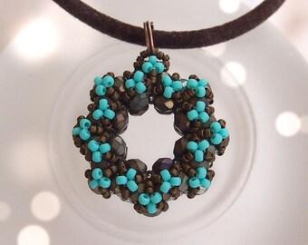 Tutorial Annie Donut Pendant - Beading pattern, raw, Triangle weave, beaded pendant