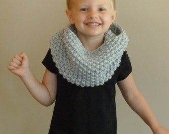 Hand Knit Toddler/Kids Cowl CHOOSE COLOR Children's Seed Stitch Cowl, Knit Toddler Cowl, Girls Boys Scarf, Kids Infinity Scarf Loop Scarf