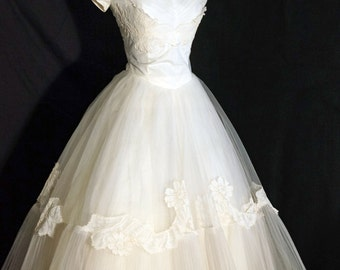 1950s Womens Tulle Lace Wedding Dress Sz 0 Vintage Retro