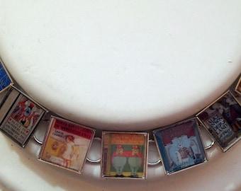 Book Lovers Bracelet - Alice in Wonderland