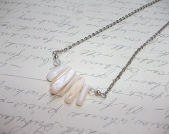 White shell sticks necklace