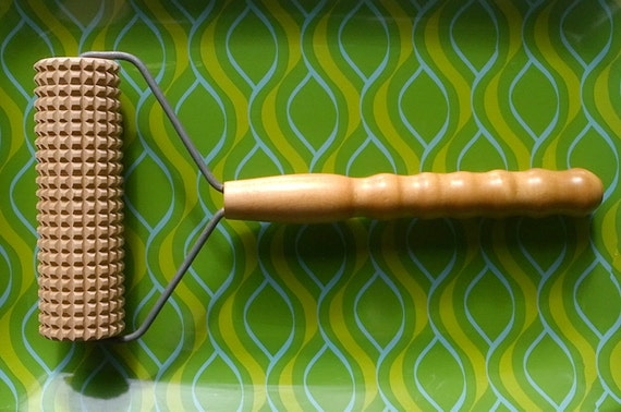 Vintage Pastry Lefse Cracker Notched Grooved Corrugated Square Cut Roller Rolling Pin with Turned Wood Handle