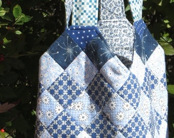 Quilted Midi bag in blues
