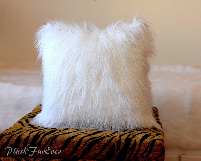 white mongolian pillow faux fur home decor pillows 18 x. Black Bedroom Furniture Sets. Home Design Ideas
