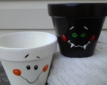 Halloween decorations, clay pot ghost, vampire decor, Clay pot decor. Halloween decor, Painted clay pots, ghost decor