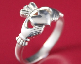 Claddagh ring. Ladies 10k white gold Claddagh Celtic Ring
