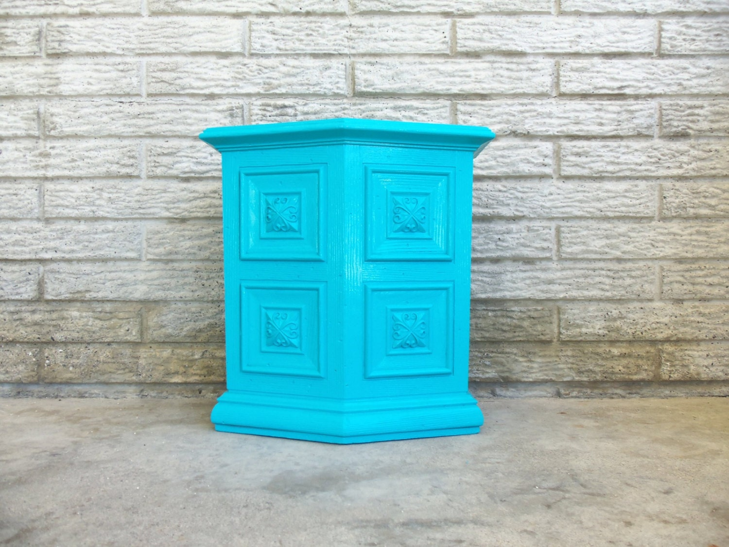 aqua trash can garbage bin small petite bathroom turquoise