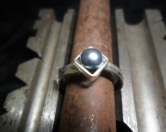 Sterling silver with blue Cultured Pearl ring