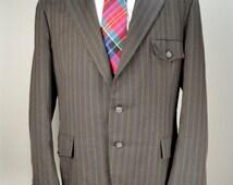 Men's Vintage 70s Stripe Riding Jacket Blazer / Brown Wool Blend Suit Jacket Sports Coat  / 44R / Raleigh Clothes