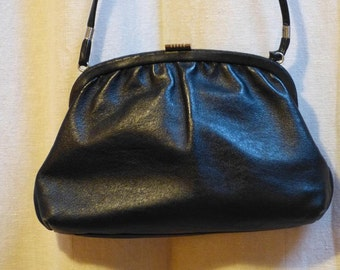Chic french bag black