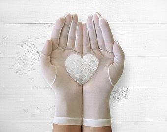 Bridal Gloves, Heart Gloves, Boho Wedding, Rustic Wedding, Wedding Gloves, Lace Gloves, Bridesmaid, Special Gift, Romantic, Wedding Idea