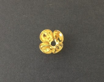 Gold Plated Rounded 4 Petal Bead Cap (8) mtl072B