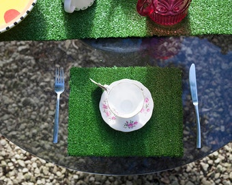 Wonderland Grass Table Mats / desk tray mats x4 / x6