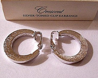 Avon Brushed Hoops Clip On Earrings Silver Tone Vintage Large Graduated Round Thick Band Smooth Wide Edge
