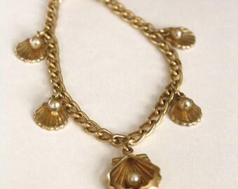Vintage Gold Toned Shell Charm Bracelet
