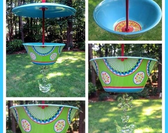 Covered Hanging Bird Feeder, Turquoise Retro Melamine